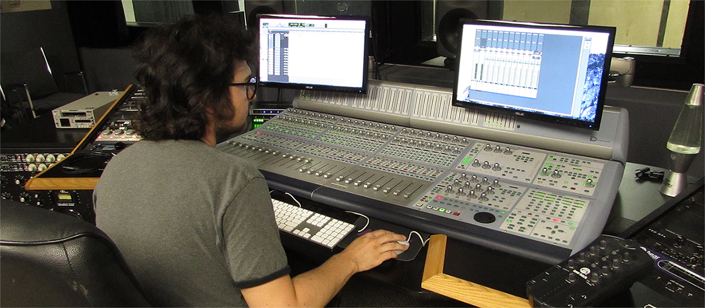 Foothill College music technology students discover the diverse pathways in the music and sound industries.